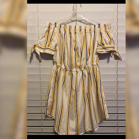 Dresses & Skirts - Off the Shoulder Striped Dress